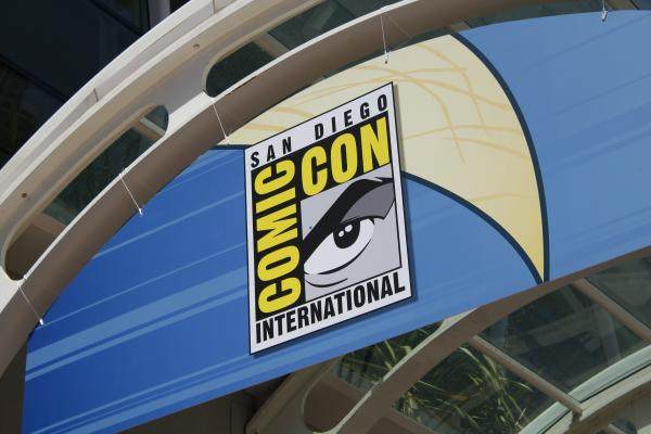 Fifteen WB Series Headed to Comic-Con